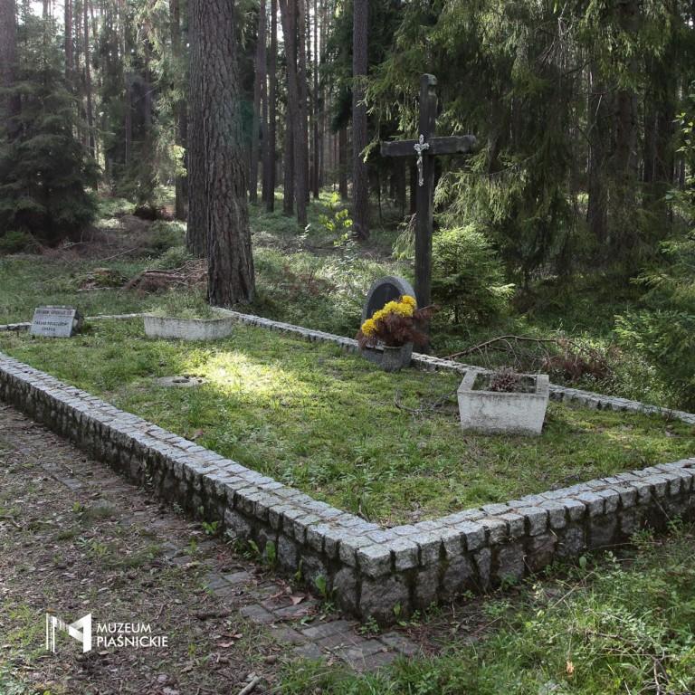 http://muzeumpiasnickie.pl/images/79w2H2e2W0N05186c182s5I2g4c9U2u5.jpg